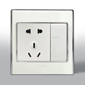 联塑电气 L51炫影单相二.三极带大跷板双控插座 l51/10us4/2d 银色