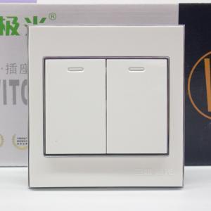 三雄极光 V9系列 开关 二位单控 16Ax250V (V92/1)象牙白(WW)